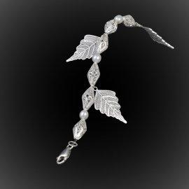 Bracelet Feuille de chêne en broderie d'argent