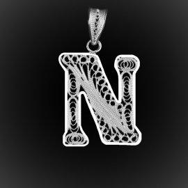"""Pendentif Initiale """"N"""" en broderie d'argent"""