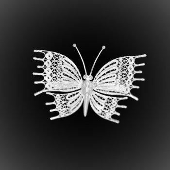 Broche Great Butterfly en broderie d'argent