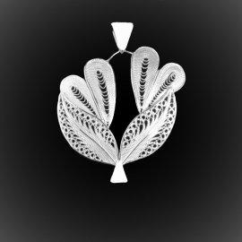 Pendentif Bouquet d'amour en broderie d'argent