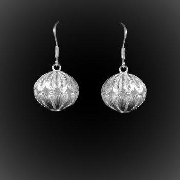 Boucles d'oreilles Tibétaines courtes en broderie d'argent