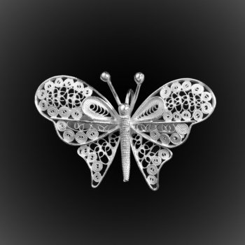Broche Pendentif Lovely Butterfly en broderie d'argent