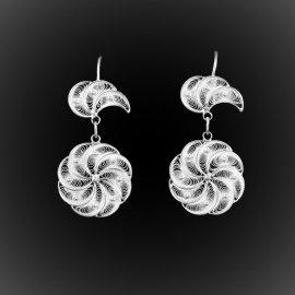 Boucles d'oreilles Curl pendantes en broderie d'argent